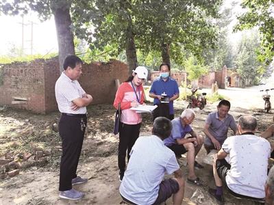 民政局分为六组,挨家挨户走访沙镇镇二张片区和李知洲片区的村庄